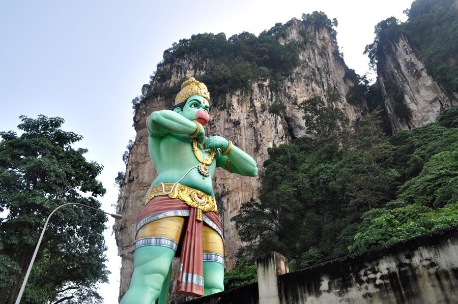 statue-of-the-monkey-god-hanuman_615630