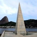 Estácio de Sá Monument