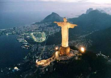 Christ-The-Redeemer-Statue-on-Corcovado-Mountain