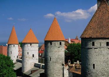 Estonia_Tallinn_Town_Wall_Towers_a342e89d34b74b25a5e3368be275aead