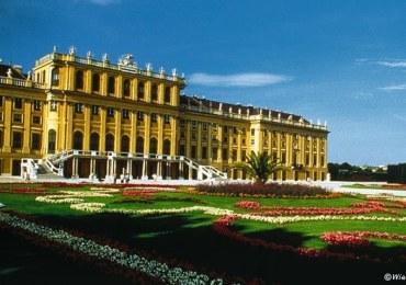 SchloSs-Schonbrunn-und-Garten-in-Bundesland-Wien