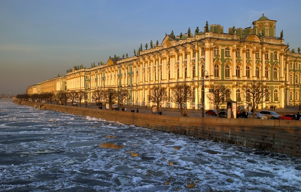 The-Hermitage-Museum-complex-in-St-Petersburg-Russia-housing-3-million-pieces