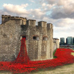 888.246 Poppies flow like blood from the Tower of London in memory of fallen soldiers
